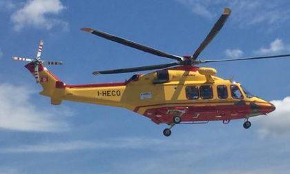 64enne soccorso con l'elicottero per un malore