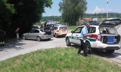 Incidente fra auto, donna in ospedale