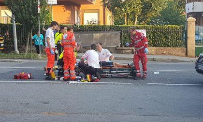 Tremenda caduta: ciclista in grave condizioni