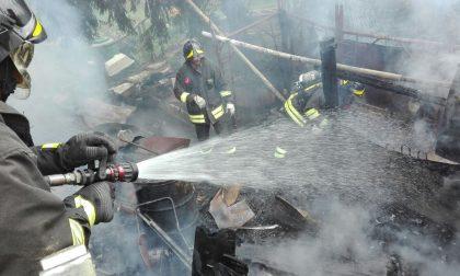 Incendio capanno a Cantù (FOTO)