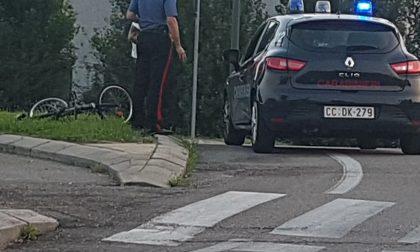 Erba, ciclista investito in via Milano
