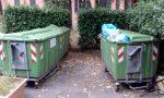 Cassonetti stracolmi: in via San Rocco non si differenzia