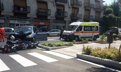 Incidente a Lurago tra auto e moto: ferito 26enne