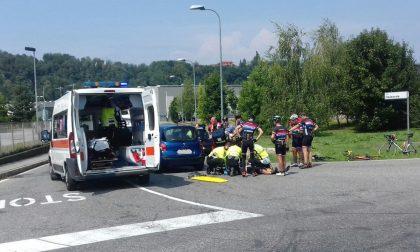 Incidente a Inverigo: travolti cinque ciclisti. FOTO