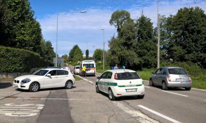 Incidente a Casnate: è scontro tra moto e bici. FOTO