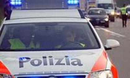 Donna colpita in testa e derubata, un arresto