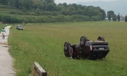 Incidente a Carimate: un'auto ribaltata. FOTO