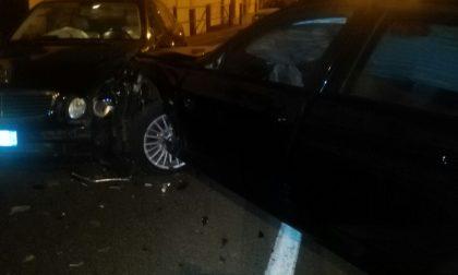 Incidente nella notte, coinvolte due auto