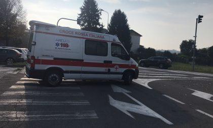 Ambulanza a scuola: malore per una ragazza