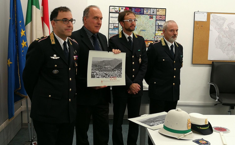 Presentato il calendario 2018 della polizia locale di como - Foto della polizia citazioni ...