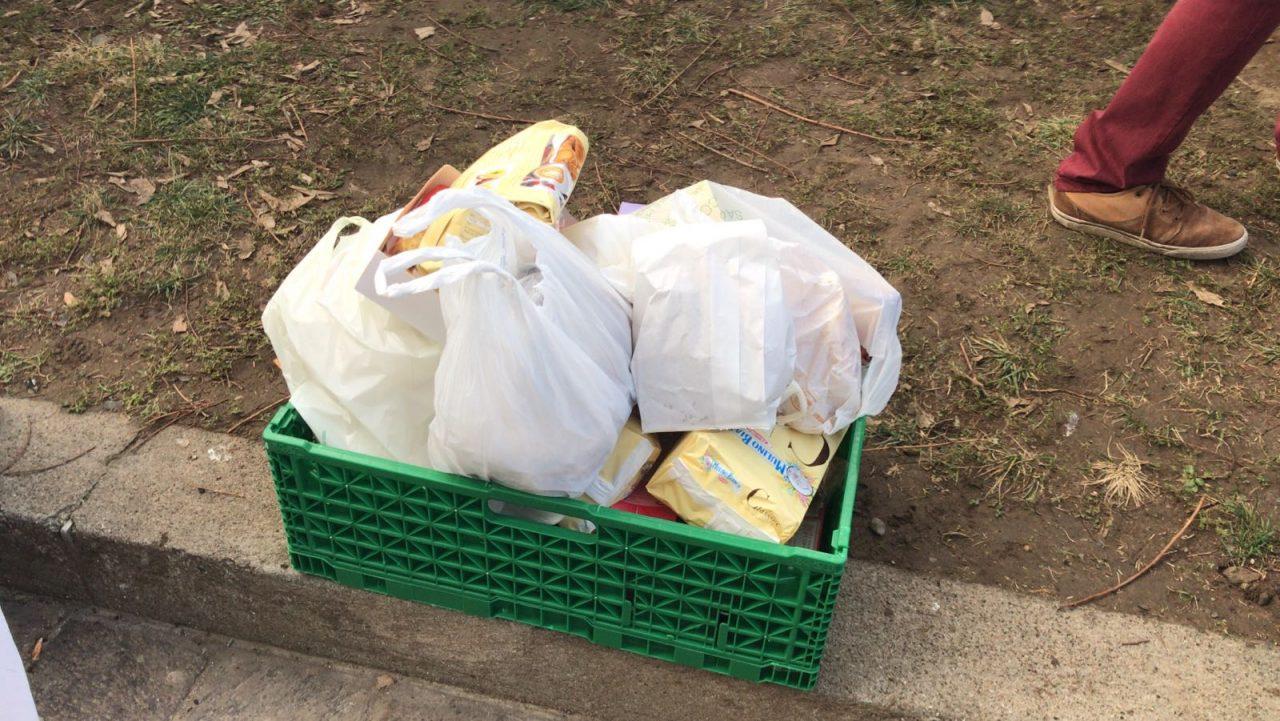 Raccolta di cibo per i senzatetto