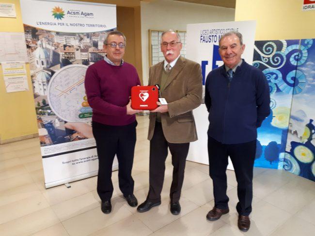 Defibrillatore scuola regalo a Cantù