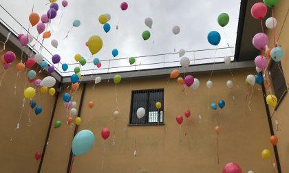 A Cantù palloncini in cielo coi desideri dei bambini: appuntamento online