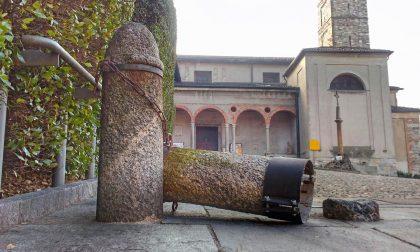 Vandalismi chiesa a Cantù