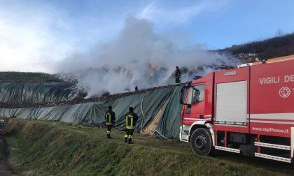 Incendio discarica Mariano la nube si abbassa sul canile