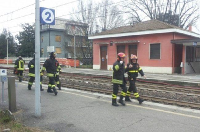 Muore investito dal treno disagi sulla linea