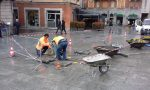 Piazza Cantù nuovi lavori per sistemare le mattonelle