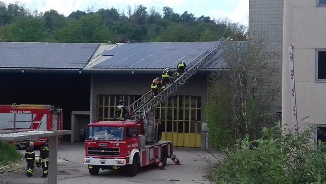 Incendio a Strevi: otto ore di lavoro per i Vigili del Fuoco
