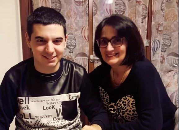 Samuele vince l autismo con il pongo esporrà a roma giornale di