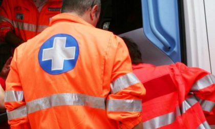 Malore in via Puecher, soccorsi per un 69enne