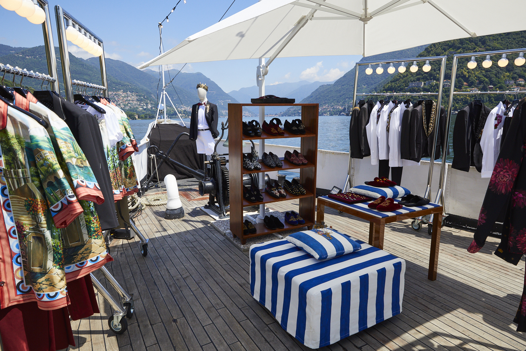 Dolce e Gabbana a Como omaggia il lago con una collezione a tema FOTO -  Giornale di Como b7c4093120f