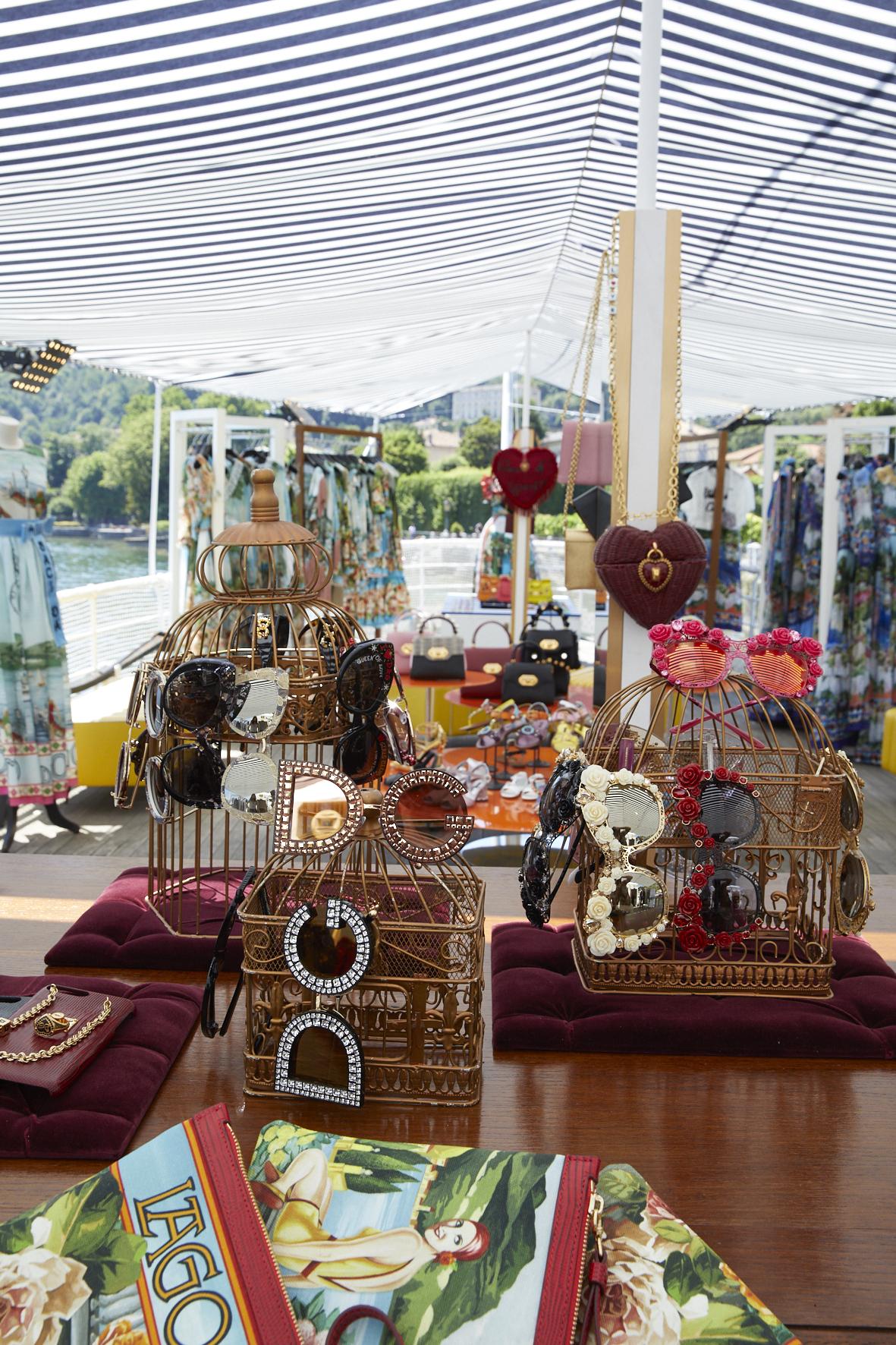 43f33982c1d7f Dolce e Gabbana a Como omaggia il lago con una collezione a tema ...