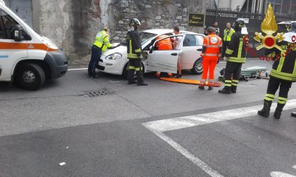 Scontro tra auto: incidente a Como