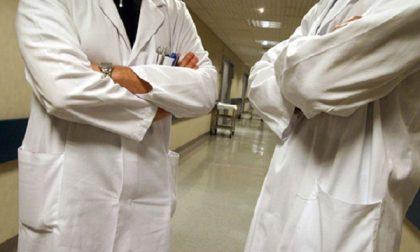 """Ats Insubria: """"Il virus circola meno e i casi non sono gravi"""". Rischio slittamenti per i vaccini di luglio"""