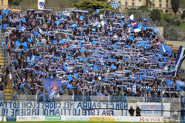 Como calcio anche domenica si potrà acquistare il mini abbonamento azzurro
