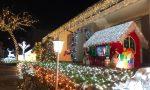 Natale a suon di luci: tutti in fila per ammirare la spettacolare casa di Albiolo FOTO  e VIDEO