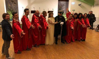 Matrimonio da favola: alta uniforme, picchetto d'onore e coro gospel FOTO e VIDEO