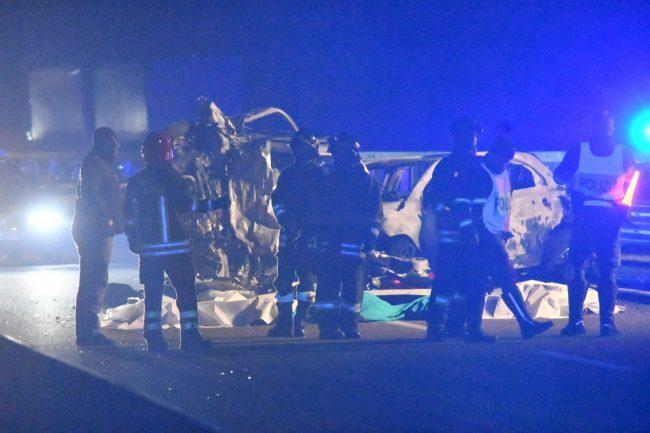 Auto contromano, sei morti in Valtellina FOTO