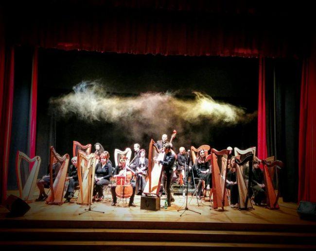 Concerto di Natale al Teatro Sociale di Como con Fabius Constable &#038&#x3B; Celtic Harp Orchestra FOTO