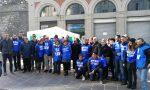 I gilet azzurri di Forza Italia a Como per manifestare contro il Governo gialloverde