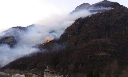 Incendio a Sorico: Vigili del fuoco ancora al lavoro