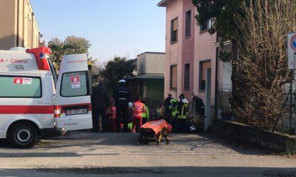 Incidente Mariano, parcheggia il furgone in pendenza, questo lo travolge FOTO