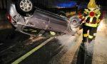 Si ribalta con l'auto a Figino salvo il 18enne alla guida