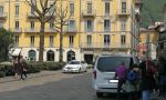 Prende a calci un taxi in piazza Matteotti: denunciato dalla Locale