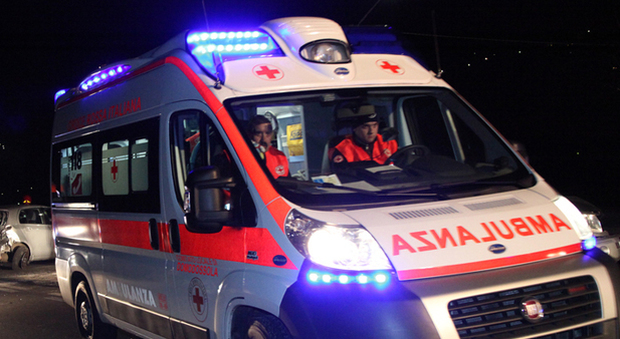 Tre feriti in un incidente stradale – SIRENE DI NOTTE