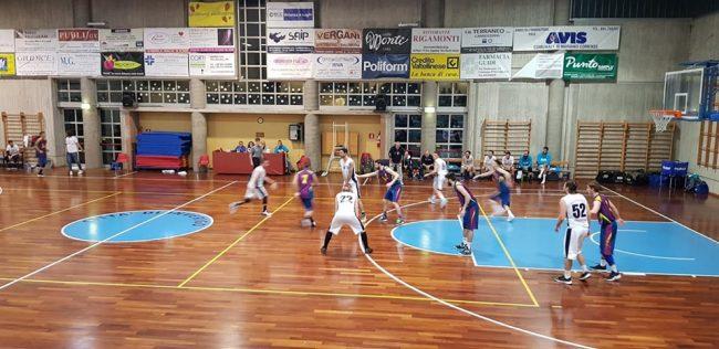 Basket promozione Inverigo e Como volano dalle belle in finale