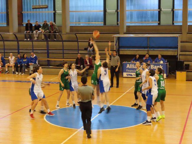 Basket femminile Mia ko a villasanta