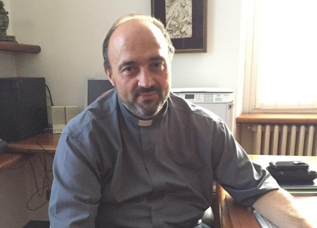 Educatori che lasciano la parrocchia e lettere al vicario episcopale: è strappo tra don Angelo e i giovani di Lurate