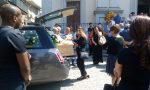 Applausi e commozione ai funerali di Hans Junior FOTO e VIDEO