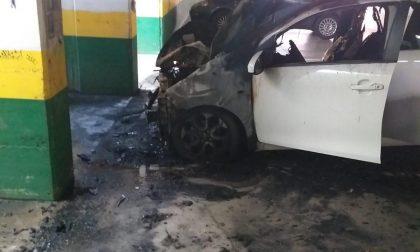 Incendio auto a Cermenate