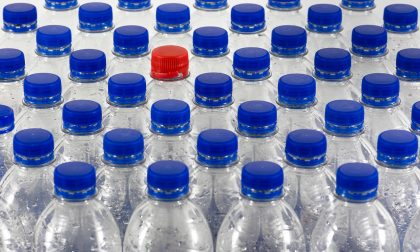 Confcommercio Como dice basta alle bottigliette di plastica