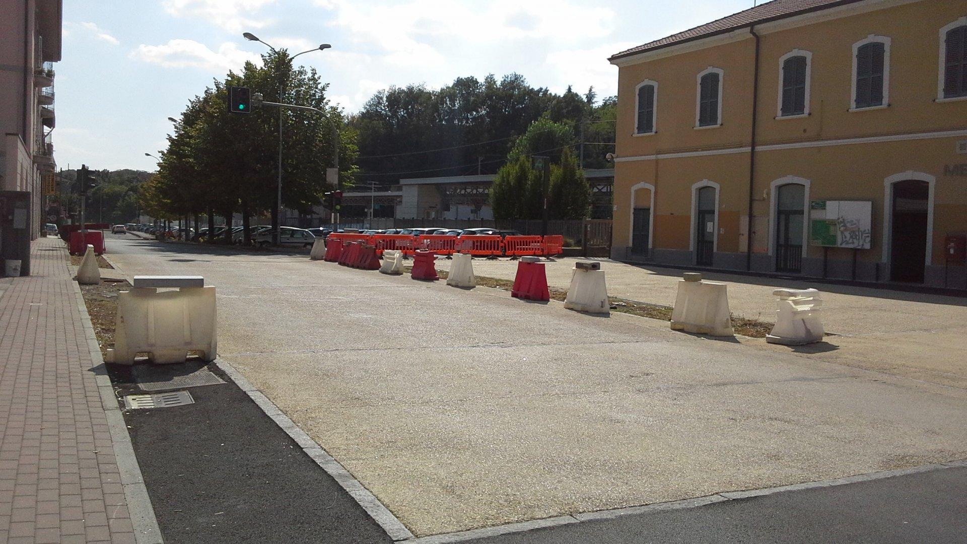 """Lavori da rifare in via Emiliani a Merone. Il sindaco: """"Difetti strutturali ed estetici"""" - Giornale di Como - Giornale di Como"""