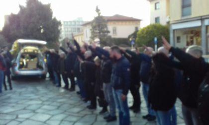 L'addio a Franco Liva: al funerale il saluto romano dei forzanovisti