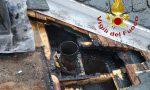 A fuoco il tetto di una casa a Dosso del Liro FOTO