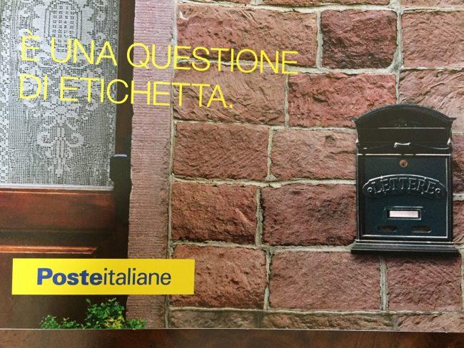 """Anche Como """"Etichetta la cassetta"""" per agevolare i postini"""