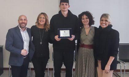 Pallacanestro Cantù: il Comune premia il giovane Gabriele Procida